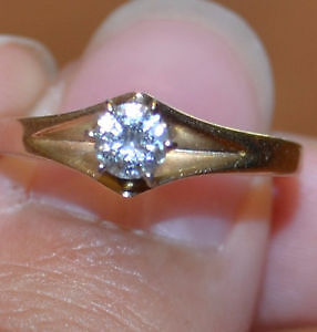14 kt gold solitaire diamond engagement ring