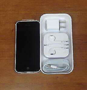 iPhone 5c 16GB unlocked with accesories