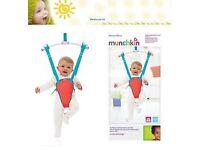 Munchkin Baby bouncer/jumper