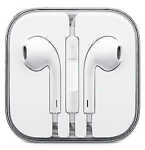 APPLE HEADPHONES: APPLE EARPODS WITH REMOTE AND MIC