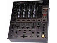 Pioneer 600 DJ mixer / Reasonable condition. One led light missing from beat count display.