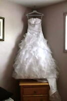 Venus Wedding Dress - Size 6