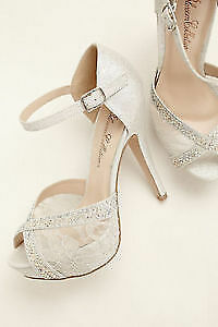 *BRAND NEW* Embellished Lace Silver Platforms 7.5