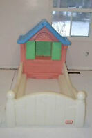 Little Tikes Country Cottage Girls Toddler Bed, Age 2-5, Ex.Cond