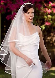 Wedding Veil with Satin Edge! Great price!!! Veil is NEW!