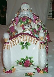 Old Country Rose Seasons of Colour Soup Tureen Santa Very Large