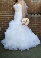 GOURGEOUS WEDDING DRESS FOR SALE SIZE 4
