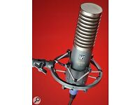 SE Electronics R1 ribbon mic