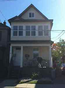 1BEDROOM IN LITTLE ITALY AVAILABLE IMMEDIATELY