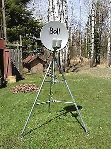 BRAND NEW BELL HD SATELLITE DISH AND NEW TRI-POD NEW !!