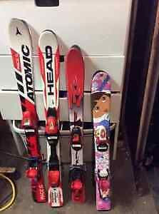 CHILDREN'S DOWNHILL SKIIS
