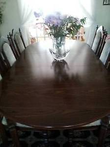 Beautiful Wooden Dining Table & 6 chairs, Excellent like NEW! West Island Greater Montréal image 2