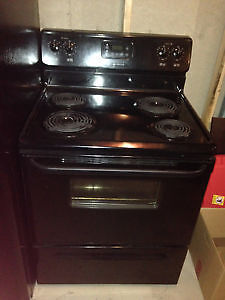 Noir *FRIGIDAIRE* Stove (Delivery & Warranty INCLD.!)