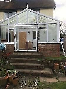Conservatory, professional dismantled, 5 by 3 excellent,glass roof ,could arrange delivery
