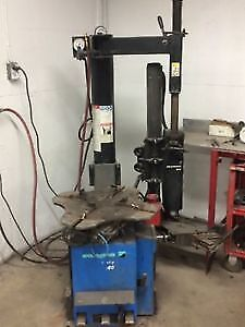 HOFMAN USED TIRE MACHINE - TIRE CHANGER - WORKS PERFECT