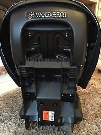 Maxi Cosi Priori XP car seat Has reclining position Excellent condition Collection only