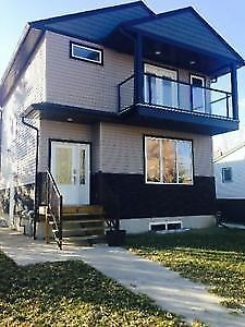 West End Duplex for Rent 2 family can live or shared accomadatio