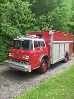 Ford L8000 rescue fire truck