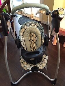 Graco Duo Bouncer and Swing