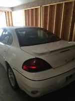 (Kelowna) For fix up or parts - 2002 automatic Pontiac Grand Am