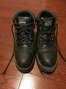 Altra Industrial Safety Workboots Size 9 (Almost Brand New)