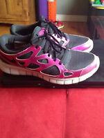 Ladies Nike Sneakers - Size 10