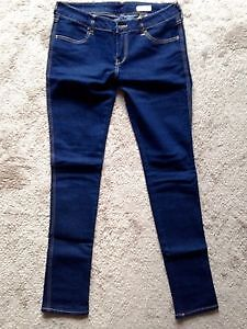 Brand new dark wash SQIN jeans, size 30 London Ontario image 1