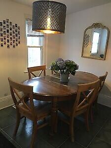 Summer sublet in Kingston! Amazing location!