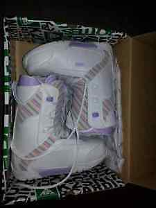BRAND NEW Snowboarding Boots