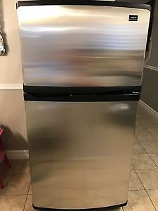 Whirlpool Stainless Steel Fridge - Top-mount
