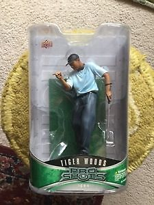 AWESOME Tiger woods UPPER DECK figurine STILL IN BOX ONLY 19$ London Ontario image 1