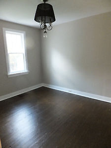 Renovated freshly painted with new windows. Shows well. Cambridge Kitchener Area image 5