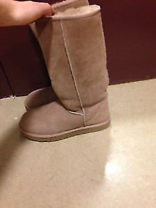 New authentic uggs