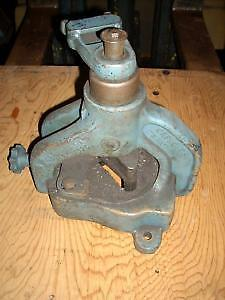 "2"" x 2"" x 1/4"" manual Roper Whitney corner notcher...."