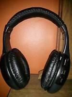Original Nexus 4 earphones AND Intex Wireless Roaming Headphone
