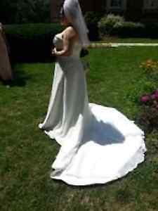 WEDDING DRESS  TO TRADE