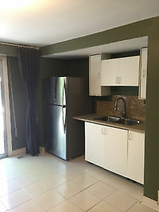 Bachelor for rent in main floor 750/month