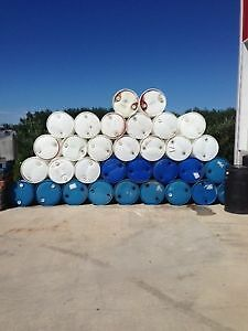 55 Gallon Plastic Drums  & 264G /1000 L Tanks with values