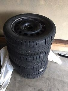 Winter tires new condition! Snow tire size P195/60R15 London Ontario image 2
