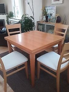 Expandable & Compact Table  & 4 chairs / chaise
