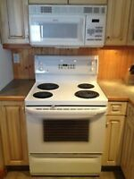 G.E stove very clean.works exc.free delivery.