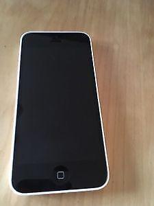 Iphone 5c parfaite condition 140$ négo