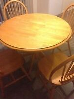 5 Piece Dining Table - Like New!