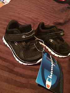 New Black Infants Size 1 Champion Sneakers