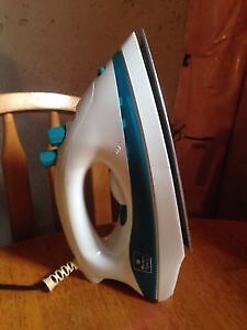 Market square steam iron - $10