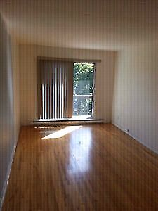 4 1/2 A Louer a Montreal . For Rent now