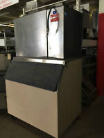 ICE MACHINE, WATER COOLED, MANITOWOC, MODEL # SY1805W3