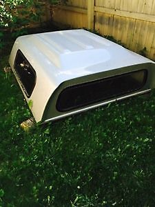 White Truck Canopy off Gmc Sonoma/ Chevy S10