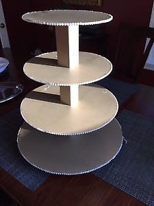 Solid wooden cake stand
