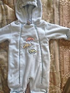 Baby fleece snow suit 6M never worn. AVAILABLE